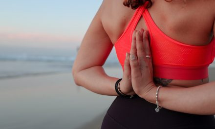 Yoga reduces migraine pain